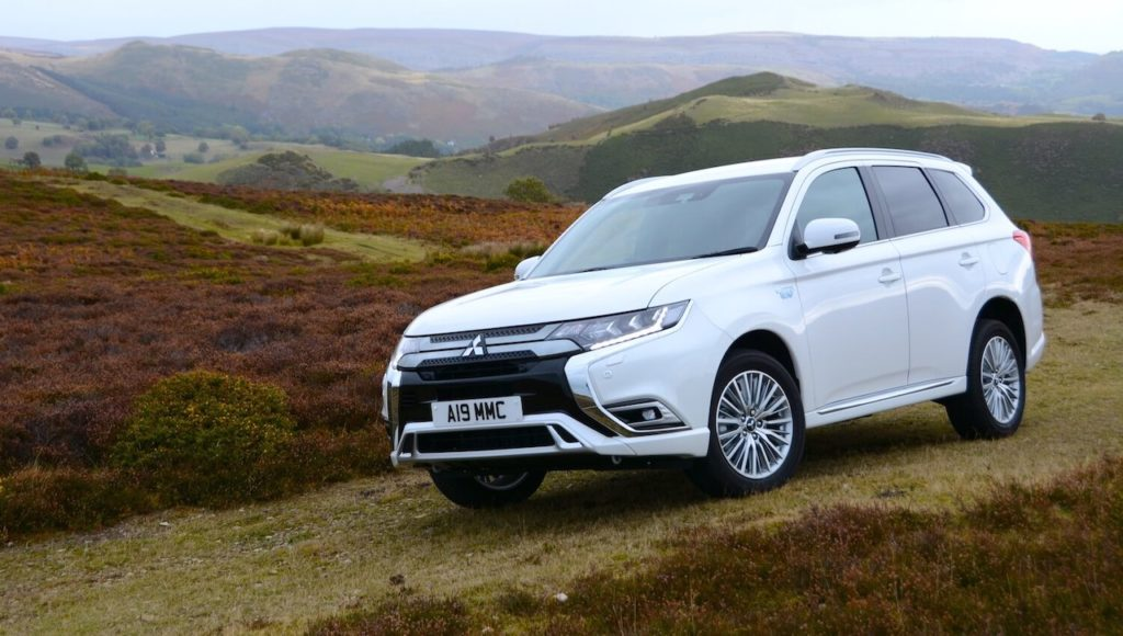 Mitsubishi-Outlander-PHEV-000-low-res